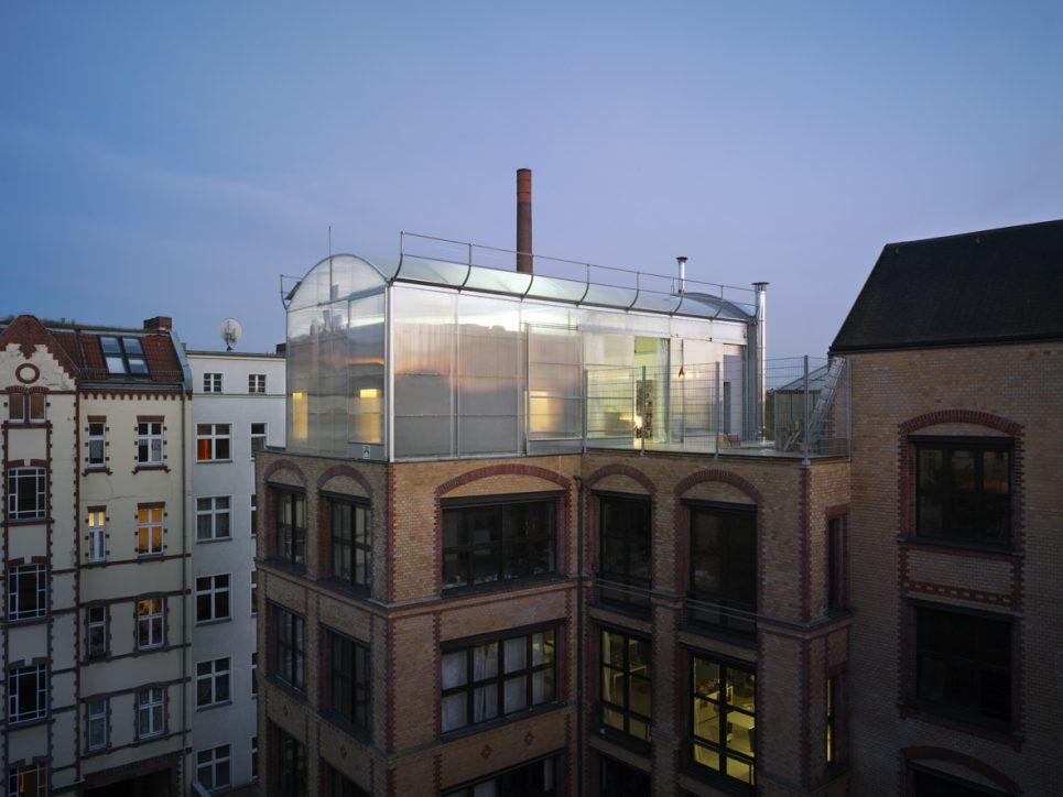 raumlabor penthouse berlin. Black Bedroom Furniture Sets. Home Design Ideas